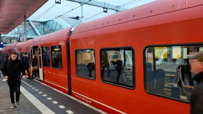 De drukbezette trein van Arriva.