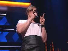 Schooljuf Ilona verrast vriend en vijand met zangkwaliteiten in I Can See Your Voice: 'Nooit verwacht dat ik dit zou durven'