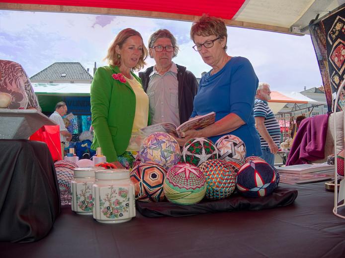 Een eerdere editie van de handwerkmarkt Verweven in Zierikzee