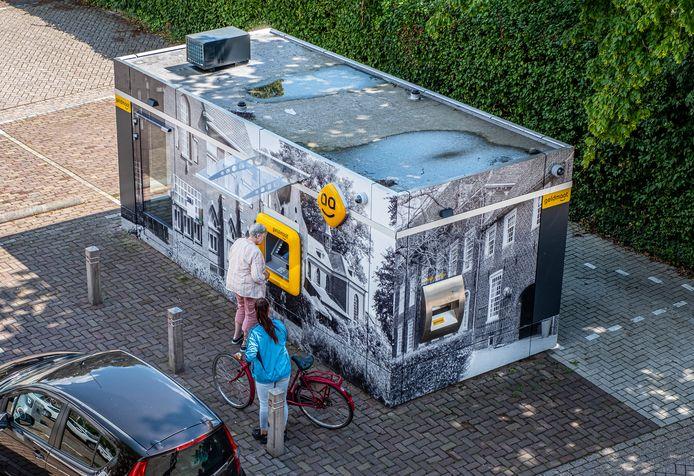 Ergernis bij de mensen die contant geld nodig hebben. De drukbezochte Geldmaat in Boxmeer werkt al een tijd niet.