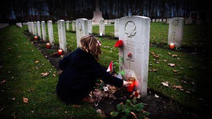 Kerstavond: zet een kaarsje aan het graf op het Canadees militair kerkhof