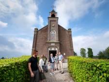 Bezoekers uit het hele land doen de Betuwe aan om monumenten te bekijken. Maar de toren van Landgoed Poelwijk in Gendt blijft gesloten