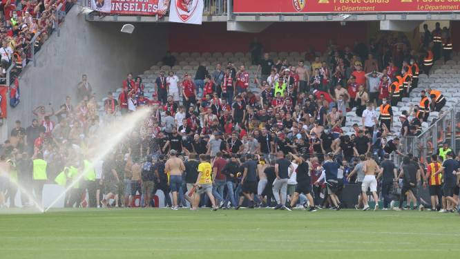 Ultra's Club Brugge maken amok in Noord-Franse derby