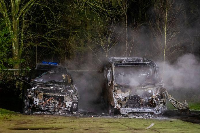 Taxi's in Tilburg uitgebrand