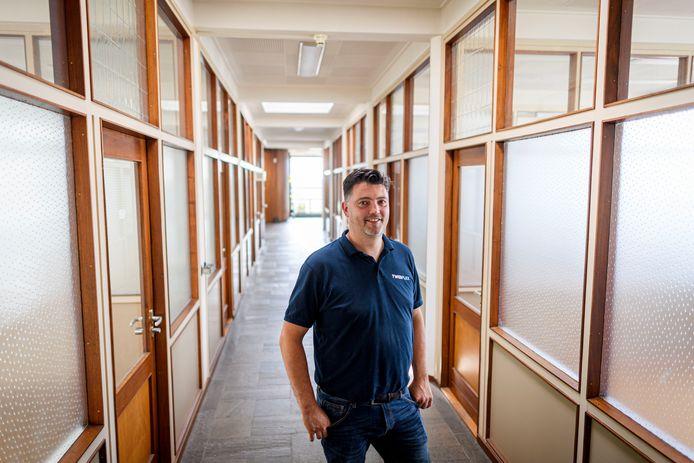 Robin Schipmann, de eigenaar van het bedrijfspand aan de Oude Boekeloseweg, verwacht dat zeker enkele tientallen beeldend kunstenaars hier een atelier willen gaan huren.