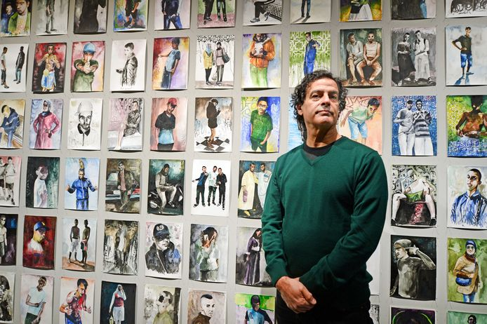 """Nour-Eddine Jarram heeft eindelijk zijn solotentoonstelling in het Rijksmuseum Twenthe, alleen zijn de deuren gesloten. """"Ik hoop dat mensen snel weer kunnen kijken. De tijd dringt."""""""