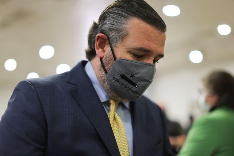 De Republikeins senator Ted Cruz onderweg naar de impeachment verhoren, afgelopen week.  Beeld REUTERS