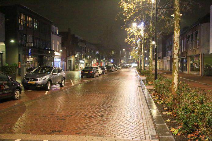 De overval werd gepleegd in een winkel aan de Noord Koninginnewal in Helmond.