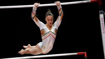 Nina Derwael imponeert op WK artistieke gymnastiek, maar laat traantjes om teamgenoten