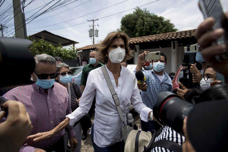 Volgens haar familie is woensdag de politie binnengevallen bij Cristiana Chamorro, een populaire oppositieleider in Nicaragua. Beeld EPA