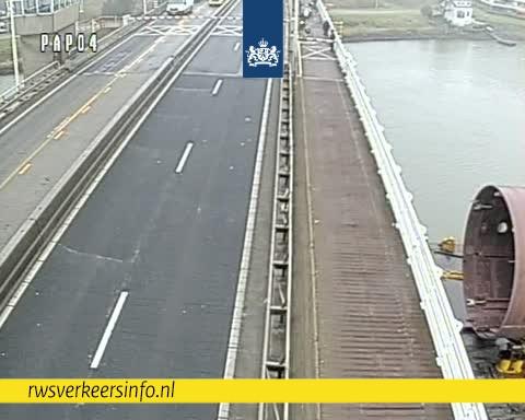 Storing aan de Merwedebrug (N3) tussen Papendrecht en Dordrecht.