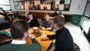Twintigtal studenten sluit zich op in kantoren van Voka voor hackathon