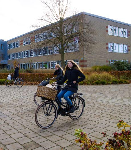 Quarantaines en angst onder leraren zorgen dat scholen moeten schipperen