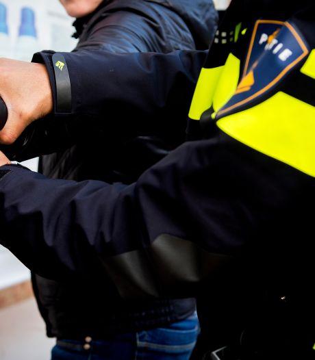 Politie vindt tien kilo drugs bij inval in Goudse woning