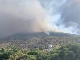 Italiaans eiland ontwaakt onder het as na uitbarsting vulkaan Stromboli: één dode en gewonde