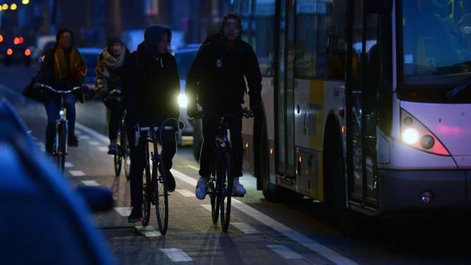 14 jongeren in schoolomgeving Oostmalle gespot zonder verlichting
