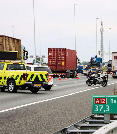 Gigantische file na ongelukken op de A12