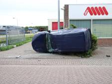Auto belandt op zijkant bij botsing in Culemborg