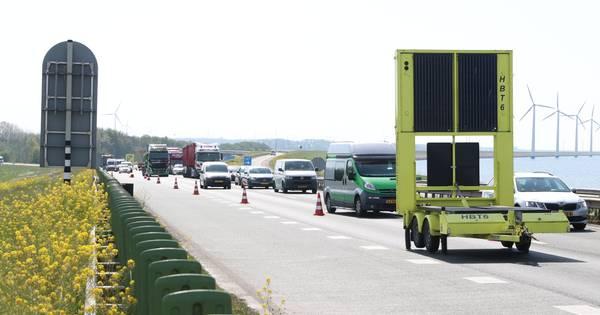 Uur vertraging op A6 door ongeluk met vrachtwagen.