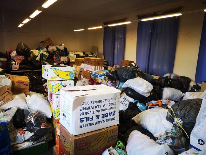 Le Centre Culturel de Pont-à-Celles a été inondé de dons pour les personnes sinistrées suite aux inondations.