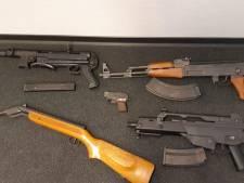 Workummer opgepakt voor bezit van (nep)wapens