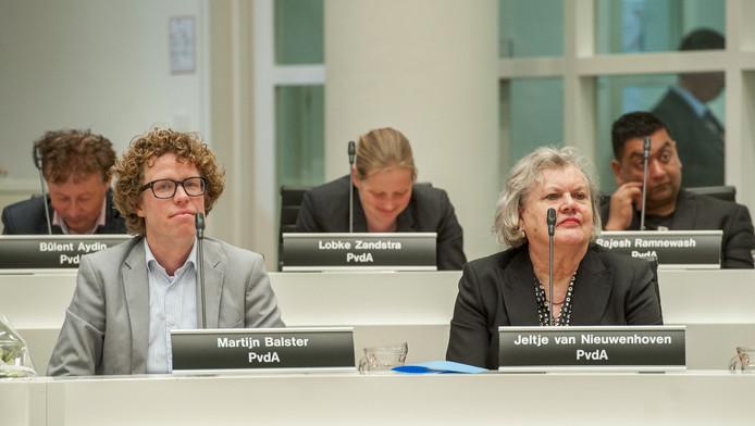 In de Haagse gemeenteraadsfractie van de PvdA is weer genoeg om over te praten. Over de heibel in hun partijbestuur bijvoorbeeld.