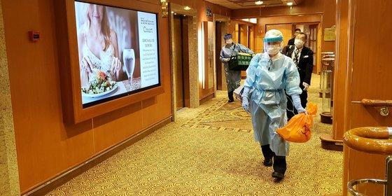 Dobberen met 600 geïnfecteerden aan boord: zo werd Diamond Princess één grote ziekenboeg