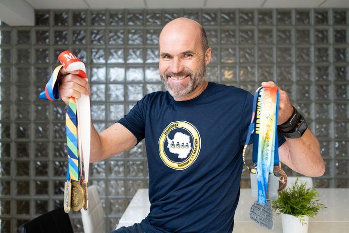 Op vijf jaar tijd liep Jan Gevers zeven marathon op zeven verschillende continenten, hij bleef doorgaan nadat hij de diagnose 'prostaatkanker' kreeg.