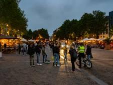 Laatste drankjes op Deventer terrassen iets later dan 22.00 uur op: 'Liever een nieuw biertje, maar het was een mooie dag'
