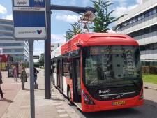 Bussen van Arriva rijden langer volgens vakantieregeling door lockdown