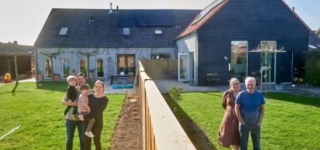 Boerderij zo ingenieus verbouwd dat drie generaties samen én toch apart onder hetzelfde dak wonen