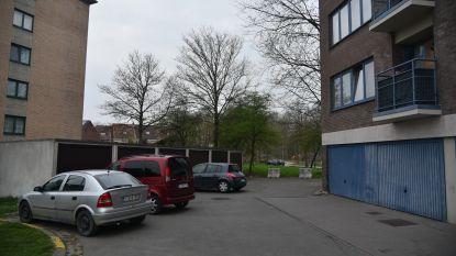 Vijftienjarige dood op straat aangetroffen in Grimbergen: gerecht tast in het duister