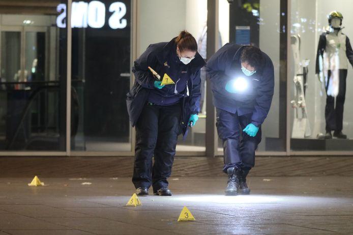 De politie doet onderzoek.
