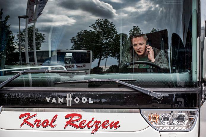 Patrick Hol van touringcarbedrijf Krol krijgt nu al annuleringen binnen voor de herfst.