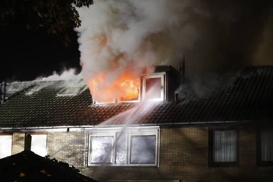 Bij de brand in Epe kwam ontzettend veel rookontwikkeling vrij.