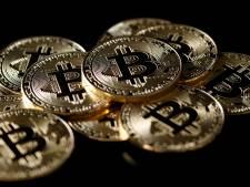 Koers Bitcoin blijft dalen: cryptomunt zakt onder de grens van 4.000 dollar