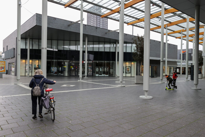 Het is ook rustig in Winkelcentrum Woensel.