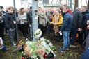 Zo'n 150 vrienden en familieleden van Ennio hielden zaterdag een stille wake op de snelwegparking.