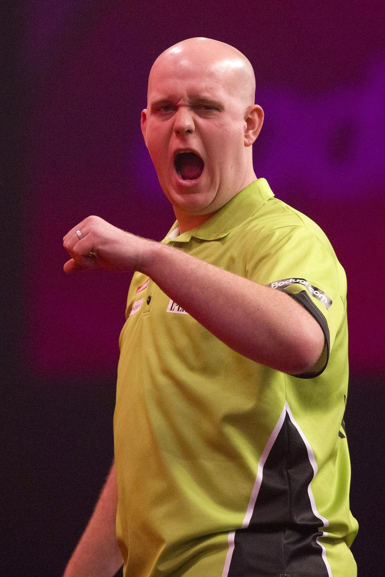 Netherlands' Michael van Gerwen reacts against Britain's Peter Wright during the PDC World Championship darts final at Alexandra Palace in north London on January 1, 2014. AFP PHOTO / JUSTIN TALLIS Beeld null