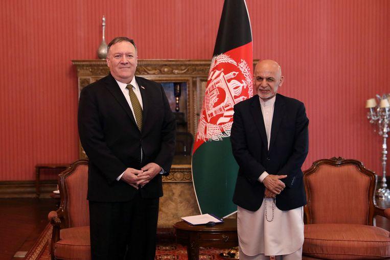 De Afghaanse president Ashraf Ghani en de Amerikaanse minister van Buitenlandse Zaken Mike Pompeo. Beeld via REUTERS