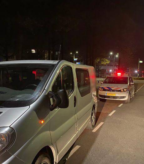 Politie maakt korte metten met dwarse automobilist: bus en rijbewijs kwijt