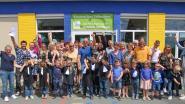 Kleuters van wijkschooltje Valkenberg in Nederbrakel feestelijk uitgewuifd