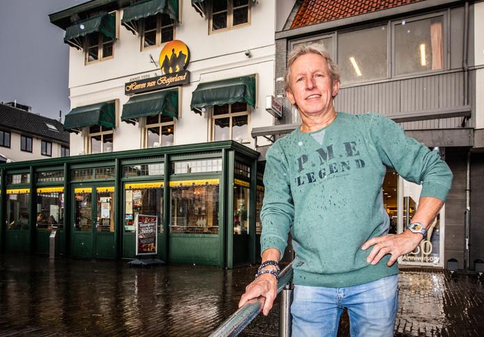Jan van der Hee voor de Heeren van Beijerland.