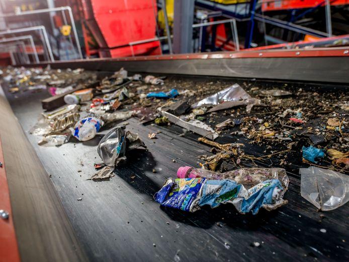 Afvalscheiding in bedrijf bij een afvalverwerker
