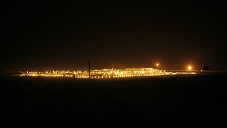 Het Shaybah olieveld in Saoedi-Arabië bij nacht. Beeld reuters