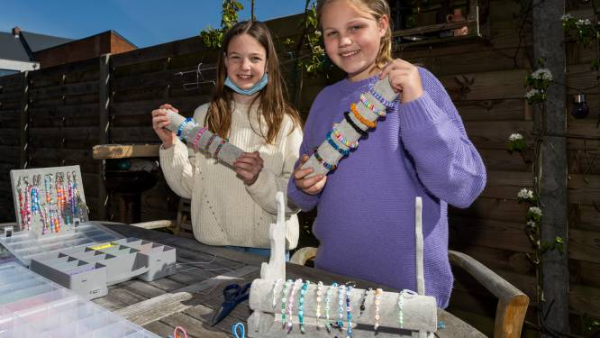 """Lins(12) maakt armbandjes en sleutelhangers voor goede doel: """"Op twee dagen al meer dan 200 bestellingen"""""""