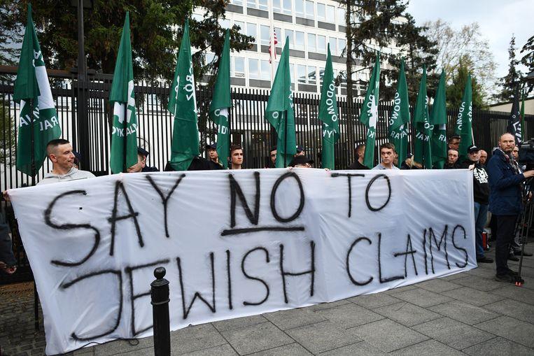Critici verwijten de PiS-regering dat ze fascistische splintergroepen geen strobreed in de weg legt. Beeld EPA