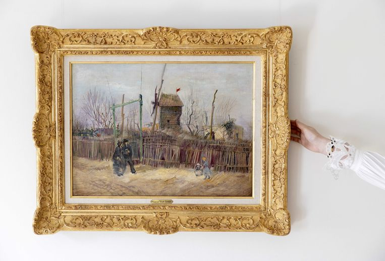 'Scène de rue à Montmartre' (Straatbeeld in Montmartre) van Vincent van Gogh bij veilinghuis Sotheby's in Parijs.  Beeld ANP