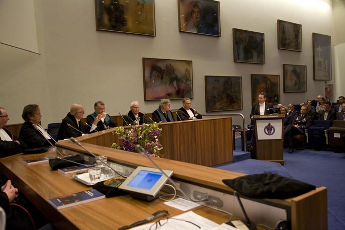 Ook Pieter van Vollenhoven was aanwezig bij de promotie van Vughtenaar Marck Haerkens.