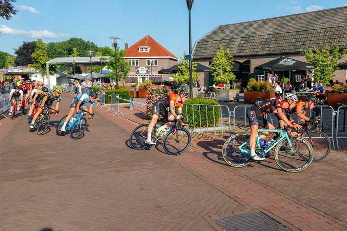 De Ronde van Riethoven, een van de jaarlijkse koersen in de strijd om het Belisol-Kempenklassement.